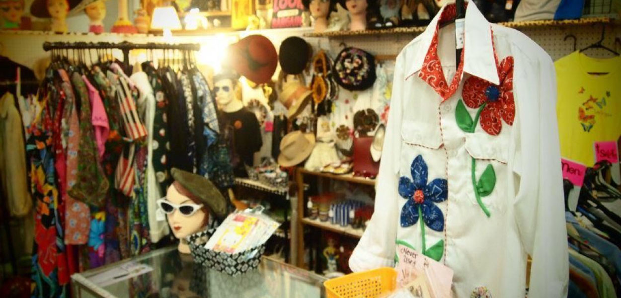 Secondhand Clothing Online - Unlocking Past Lives